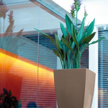 vaso in resina logos gloss colore fango